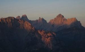 Tàmer e Moschesìn al tramonto (abcdolomiti.com ©)