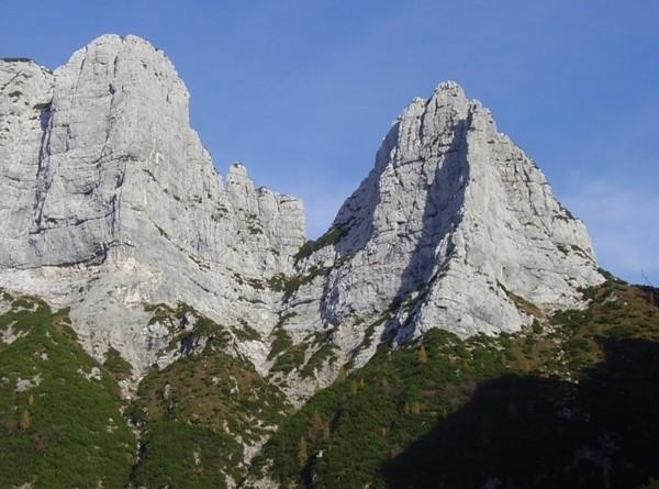 Torre del Mont Alt e spigolo della Torre del Fornel - Monti del Sole (abcdolomiti.com ©)
