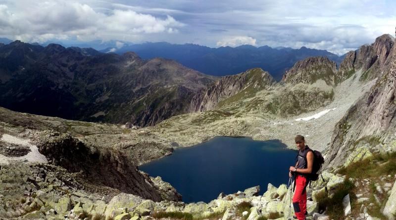 Il lago che si incontra lungo la via normale di salita alla Cima d'Asta.
