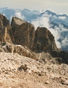 Via normale alla Cima dei Bureloni (3130 m): il sottogruppo del Focobon