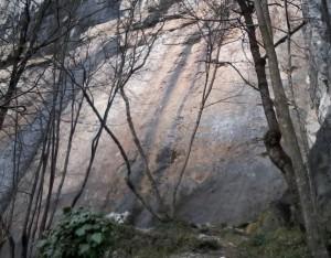 Falesia di Fonzaso: le vie del Settore Placche, quello meno famoso e bello.
