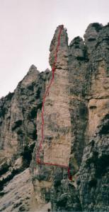 Guglia De Amicis (2100 m) - tracciato della Via Dulfer