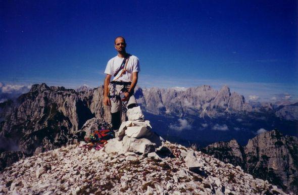 Luca Bridda sulla cima della Torre dei Feruch, nei Monti del Sole