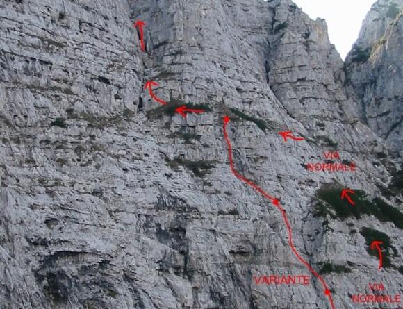 Il Torrione Val Cordevole dal Van Grant con la via comune e la variante Bridda-Della Putta