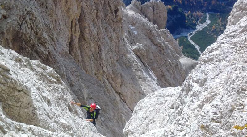 In arrampicata lungo la via normale al monte Duranno