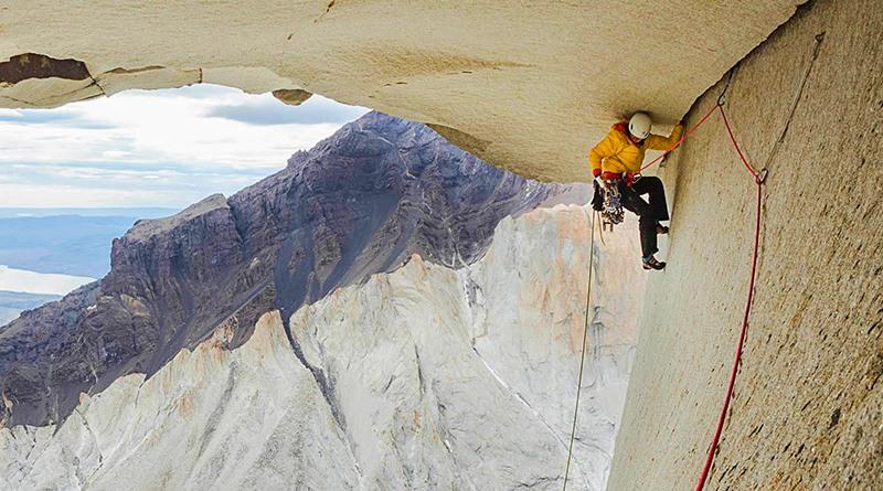 Un momento della scalata. Foto di Thomas Senf