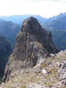 La cima sud del Monte Cernera dalla vetta